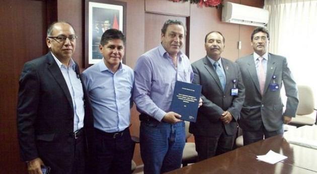 Perú formaliza distribución agua beneficiando agricultores Piura