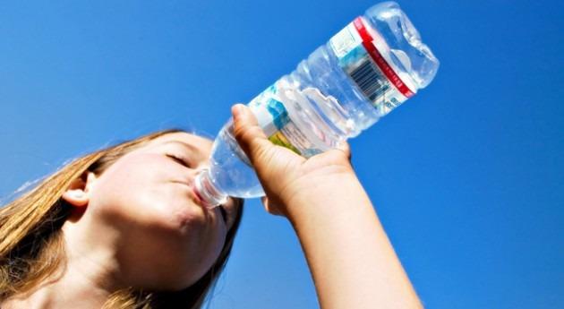 ¿ qué necesitamos beber suficiente agua?