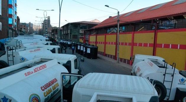 Gobierno boliviano entrega cisternas y tanques agua Potosí