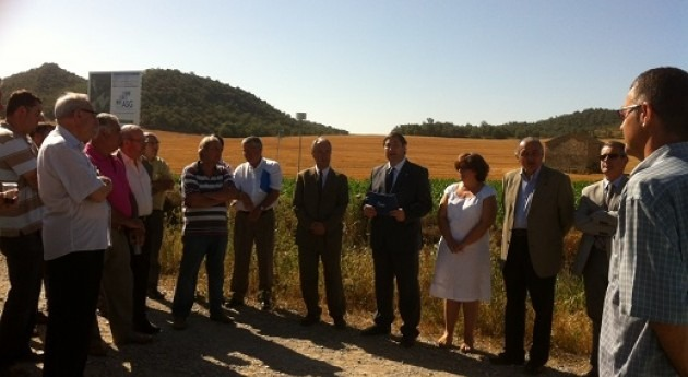 Josep Maria Pelegrí visita finca experimental Aigües Segarra-Garrigues