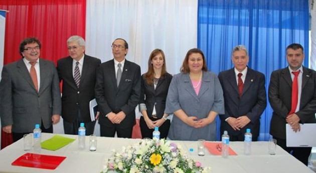 Los directores del Senasa con los invitados durante la celebración de los 42 aniversarios de la institución.