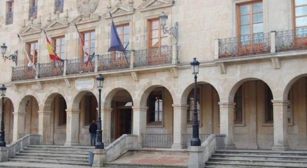 Ayuntamiento de Soria (Wikipedia).