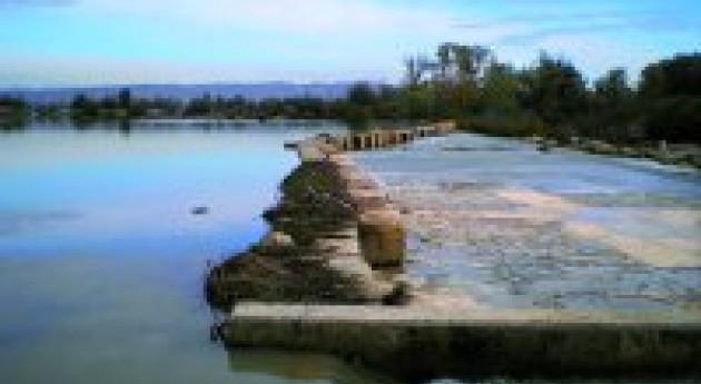 CH Ebro adjudica sustitución compuertas desagüe azud Pina