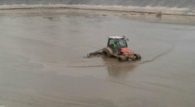 SUEZ Spain realiza limpieza balsa riego Zaragoza