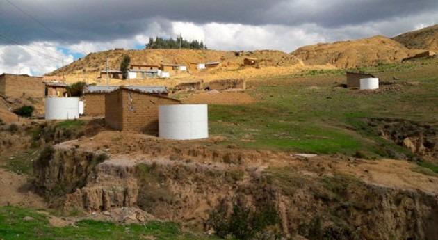 "Gobierno Bolivia entrega 1.409 cisternas ""Cosecha Agua"" comunidades rurales"