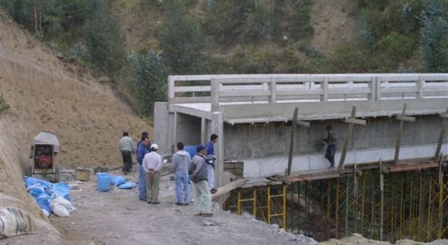 Canal riego Cayambe-Pedro Moncayo Ecuador cuenta 65% avance