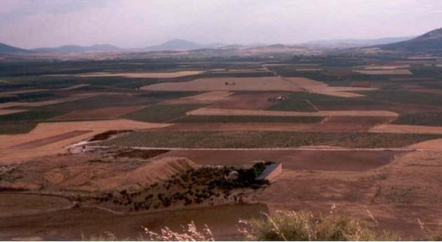 Agricultores protestan expedientes regularización pozos resolver Castilla Mancha