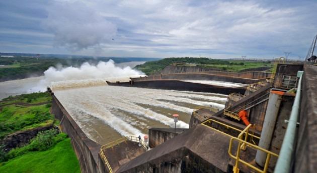 Fotogalería: espectacular desagüe presa Itaipú