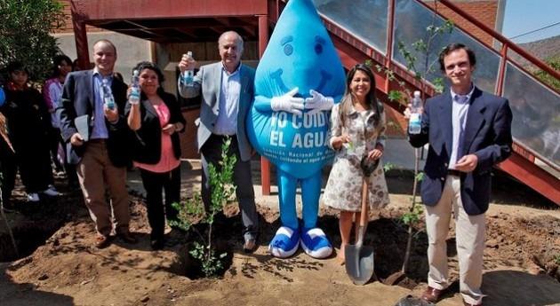 Chile implementa nuevo sistema riego colegio Curacaví que ahorarrá más 90% agua