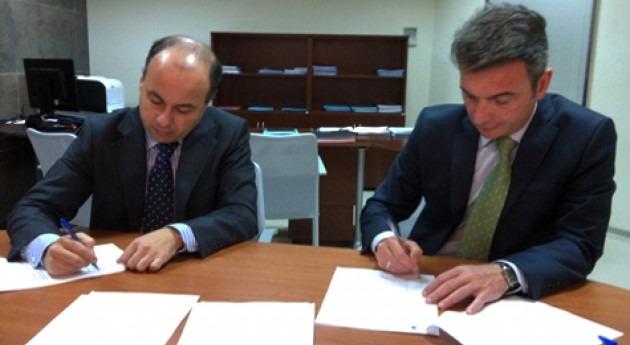 Convenio colaboración científica Aquajerez y Universidad Cádiz materia reutilización aguas residuales agricutura