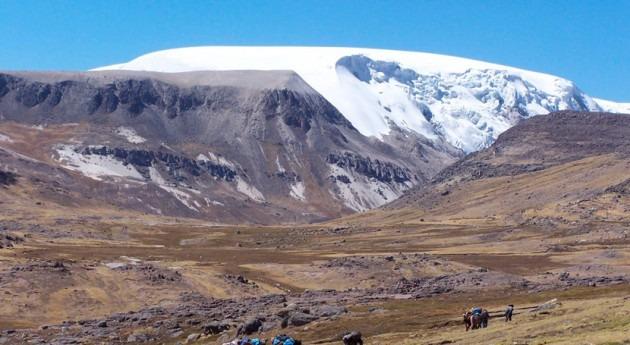 investigación confirma drástica disminución glaciares Andes peruanos