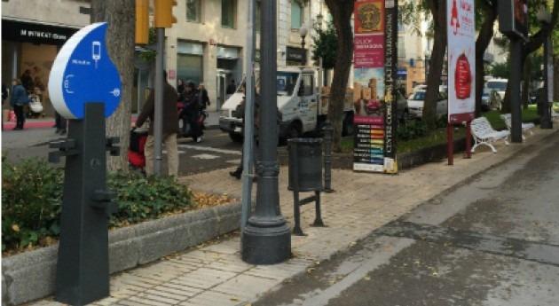 Ematsa instala Tarragona cargador dispositivos móviles base energía hidráulica