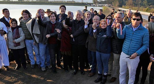 Gobierno Chile inaugura pequeño embalse riego Placilla
