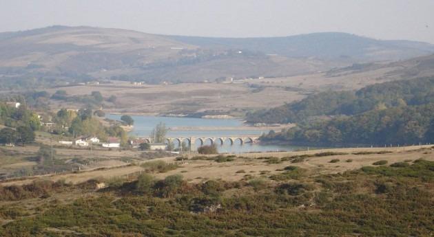 Se licita servicio gestión seguridad 55 presas estatales cuenca Ebro