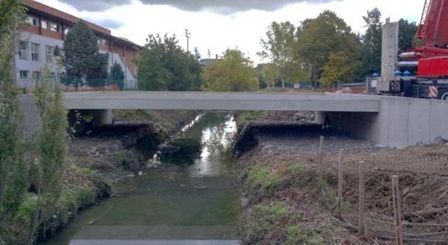 URA sustituye puente río Gobela paso ciudad deportiva Fadura Getxo