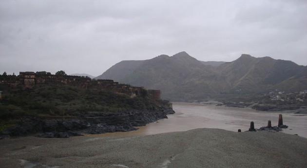 Vista del fuerte Attock en Punjab, Pakistán