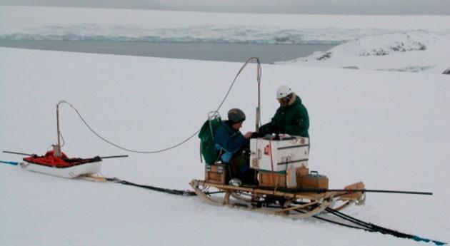 ¿Cómo afecta cambio climático glaciares Isla Livingston?