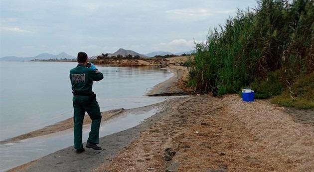 Guardia Civil inspecciona vertidos desembocadura rambla Albujón