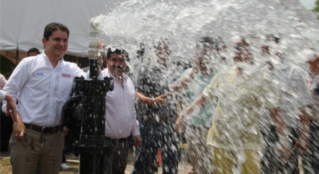 Henao anuncia licitaciones agua y saneamiento que beneficiarán millón colombianos