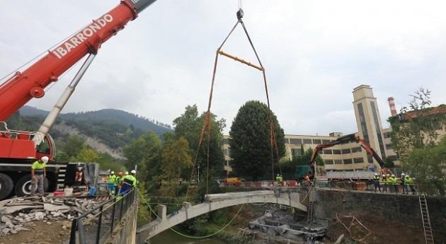 URA demuele puente Altzarrate Llodio acondicionamiento hidráulico entorno