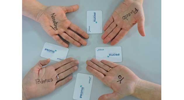 IPROMA ilustra manos cáncer
