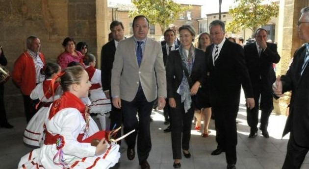 Isabel García Tejerina se compromete modernizar sistema regadíos Najerilla