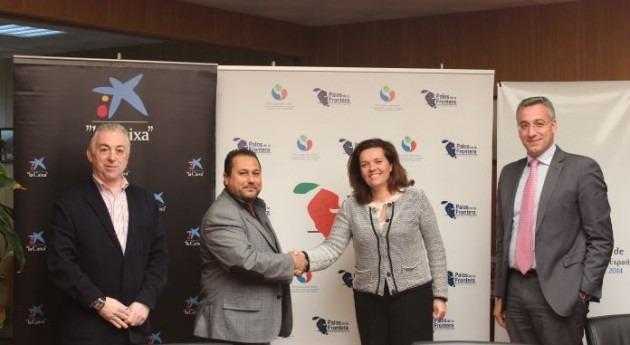 Caixa promociona XIII Congreso Nacional Regantes junto regantes Palos Frontera