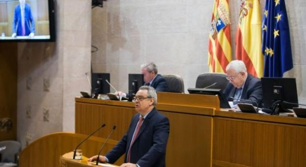 Sesión en las Cortes de Aragón.