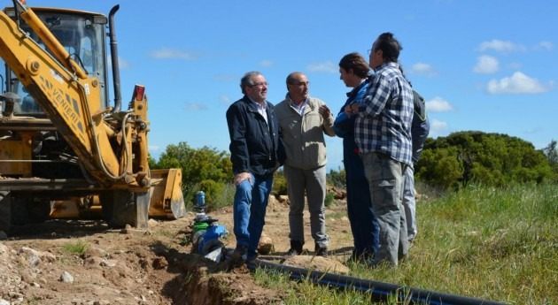 Lleida comienza instalación regadío campo experimental almendros Maials