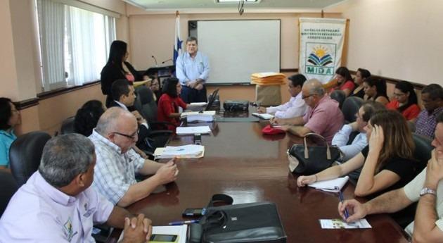 Apertura licitaciones proyectos riego y drenaje Río Sereno y Alto Bambito, cuyo precio base es 44,1 millones dólares