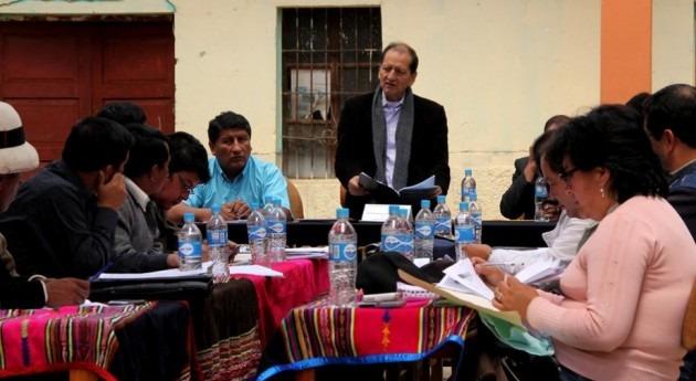 Acuerdan destinar más 17 millones dólares abastecimiento, sistemas riego y educación Cotabambas