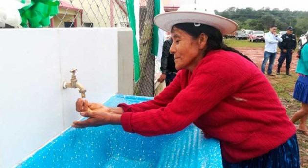 FCAS lleva agua y saneamiento 600.000 bolivianos