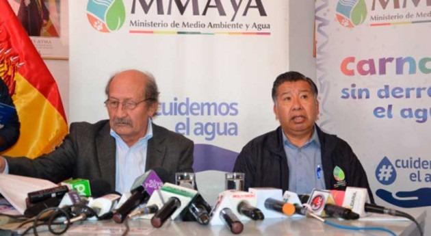 Bolivia prohíbe derrochar agua potable durante Carnaval