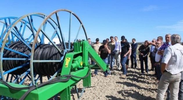 Representantes NaanDanJain Ibérica muestran ventajas riego goteo agricultores franceses