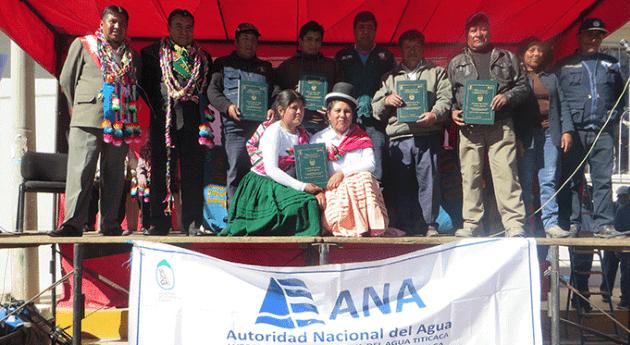 Más mil agricultores Puno reciben licencia uso agua fines agrarios