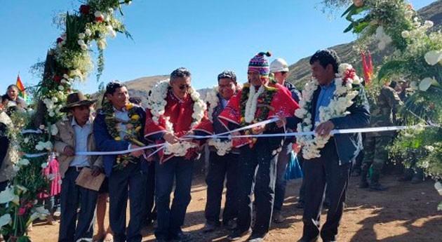 Gobierno boliviano entrega obra riego Pojo 16 años postergada