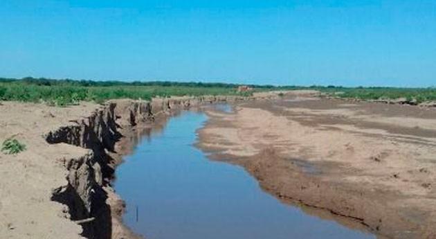 """Objetivo cumplido: """" río Pilcomayo riega 150 km suelo chaqueño recargando acuíferos"""""""