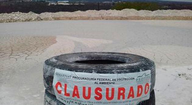México clausura presa lodos contaminar río Chiquito, Puebla