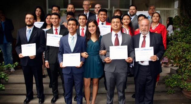 Entregan reconocimientos ganadores Premio Nacional Juvenil Agua 2016