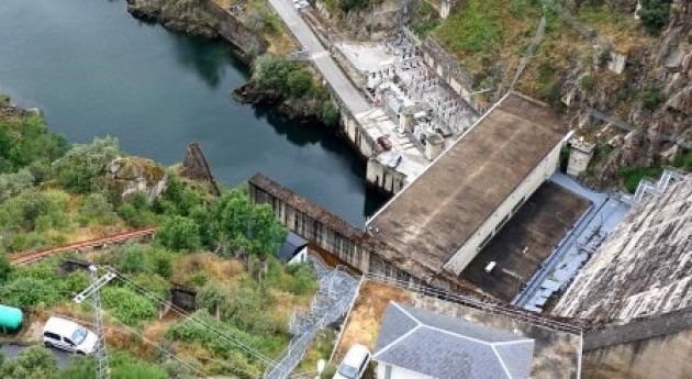 Iniciados trabajos estabilización talud derecho presa Bárcena