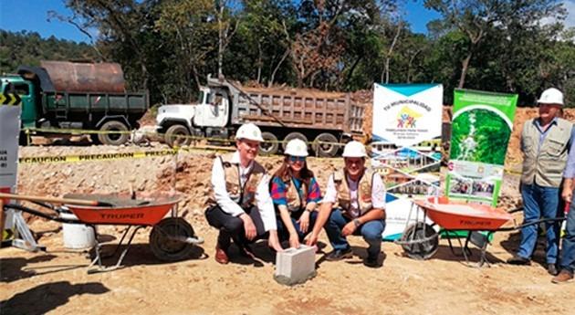 Primera piedra Planta Tratamiento Aguas Residuales ciudad Gracias Honduras