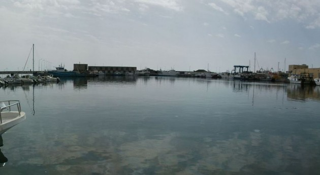 Puerto de Adra (Wikipedia).