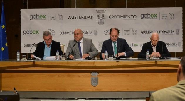 Junta Extremadura firma convenio modernizar regadíos Orellana y Zújar
