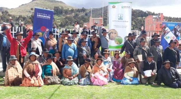 regantes bolivianos Achacachi exponen conocimientos y experiencias riego
