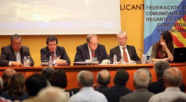 """José Císcar se compromete """"respaldar regantes valencianos foros discusión planificación hidrológica"""""""