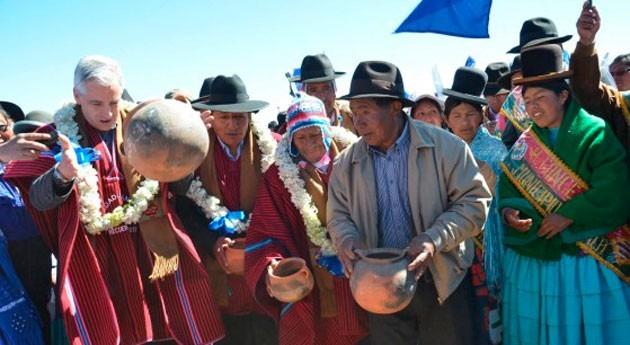 Bolivia beneficia familias agricultoras Taraco sistema microriego aspersión