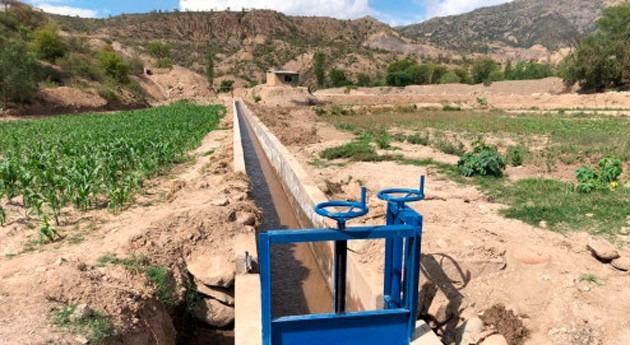 Bolivia entrega sistema riego incrementar producción alimentos Capinota