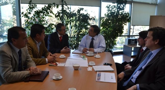 Comisión Nacional Riego y Chilealimentos abordan desafíos sector