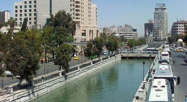 Ejército sirio vuelve bombardear manantial río Barada