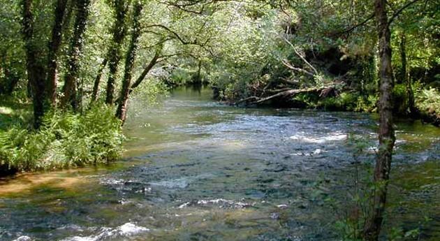 Galicia realiza trabajos conservación canal río Masma
